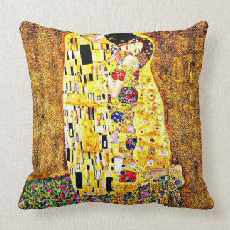 The Kiss, painting by Gustav Klimt Throw Pillow