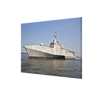 The littoral combat ship Independence underway Canvas Print
