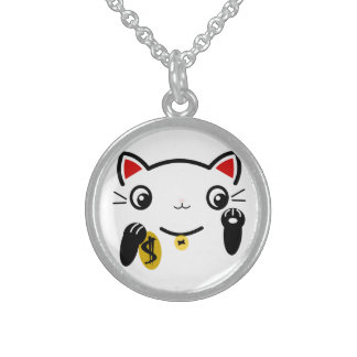The lucky cat round pendant necklace