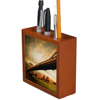 The Manhattan bridge view from Brooklyn side (NYC) Desk Organiser