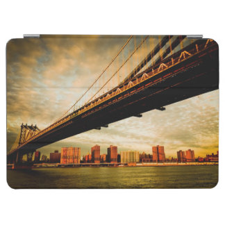 The Manhattan bridge view from Brooklyn side (NYC) iPad Air Cover