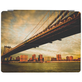 The Manhattan bridge view from Brooklyn side (NYC) iPad Cover