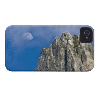 The moon rises and shines through the clouds Case-Mate iPhone 4 cases