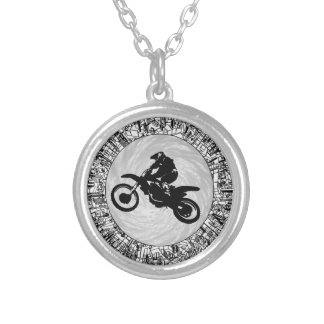 THE MOTOCROSS EFFECT ROUND PENDANT NECKLACE