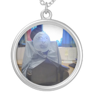 The new boss round pendant necklace