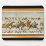 The Norman cavalry attacks the English Mouse Mat