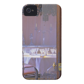 The private dining room with the black crystal iPhone 4 cases
