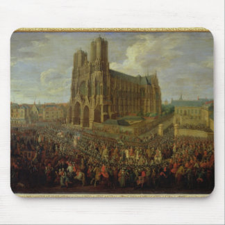 The procession of King Louis XV Mousepads