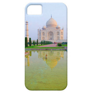 The quiet peaceful World Famous Taj Mahal at iPhone 5 Case