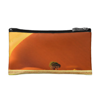 The red dunes of Sossusvlei Makeup Bags