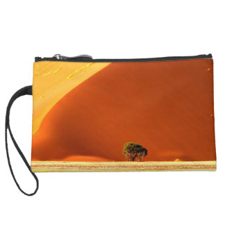 The red dunes of Sossusvlei Wristlet Clutch