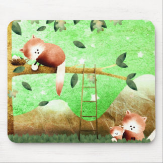 The red panda came prepared ... mouse mat