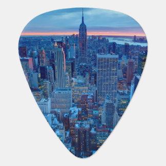 The skyscrapers of Manhattan are lit Plectrum