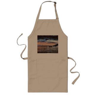 The smoldering ocean long apron