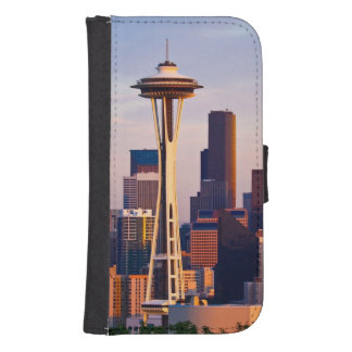 The Space Needle is a tower at dusk in Seattle Samsung S4 Wallet Case