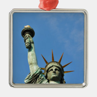 The statue of liberty christmas ornament
