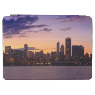 The sun sets over the Chicago skyline iPad Air Cover