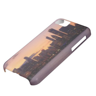 The sun sets over the Chicago skyline iPhone 5C Case