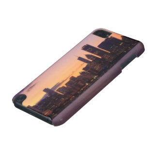 The sun sets over the Chicago skyline iPod Touch (5th Generation) Covers