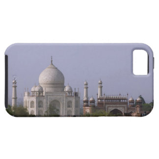 the Taj Mahal dominates the town of Agra iPhone 5 Cover