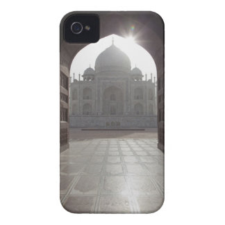 The Taj Mahal framed through the doorway to the Case-Mate iPhone 4 Case