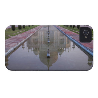 The Taj Mahal perfectly reflected in the still 2 iPhone 4 Case