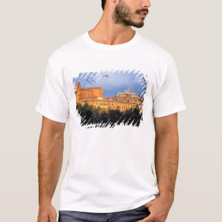 The Tuscan village of Sienna, Italy. T-Shirt