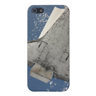 The underside of space shuttle Discovery 2 iPhone 5/5S Covers
