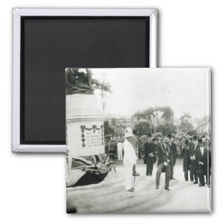 The unveiling of the War Memorial Square Magnet