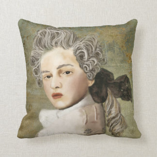 The Vicomte Cushion