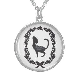The Vintage Classic Cat Round Pendant Necklace
