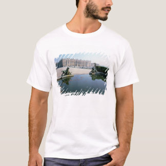 The West or Garden Facade viewed from the Parterre T-Shirt
