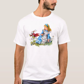 The White Rabbit races by Alice - he's late! T-Shirt