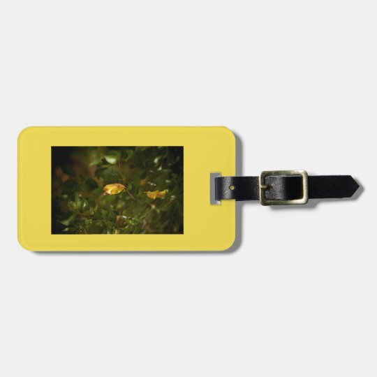 The yellow leaf luggage tag