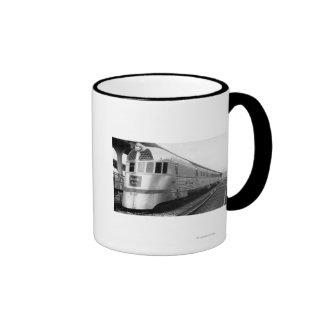 The ZepherStainless Steel Streamlined Train Ringer Mug