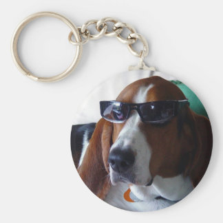 This hound dog is one kool kat key ring