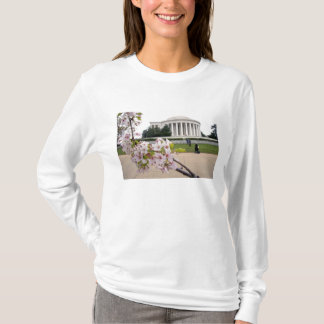 Thomas Jefferson Memorial with cherry blossoms T-Shirt