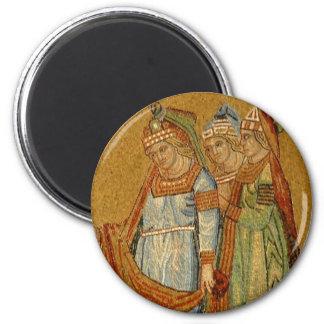 Three Graces 6 Cm Round Magnet