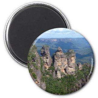 three sisters 6 cm round magnet