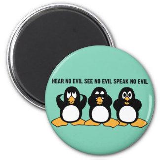Three Wise Penguins Design Graphic 6 Cm Round Magnet
