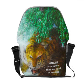Tiger ambush - Wild animal Messenger Bag