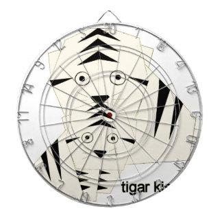 tiger kisses dartboard