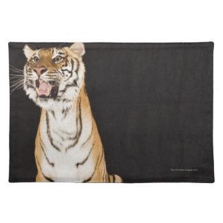 Tiger roaring placemat