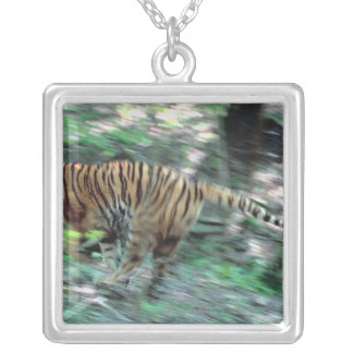 Tiger running silver plated necklace