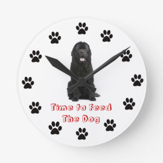 Time to feed the dog Newfoundland Round Clock
