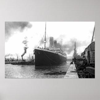 TITANIC in SOUTHAMPTON HARBOR Poster
