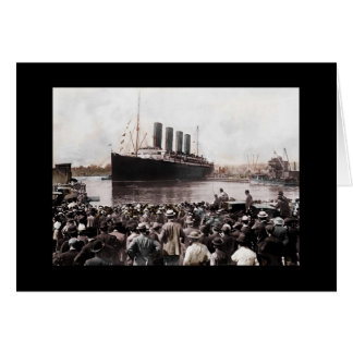 Titanic Leaving Southhampton Card