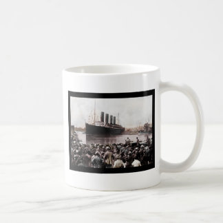 Titanic Leaving Southhampton Coffee Mug