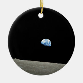 To raise Earth on the Moon Round Ceramic Decoration