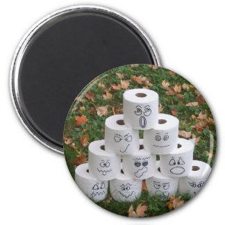 Toilet Paper Pyramid 6 Cm Round Magnet